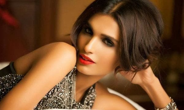 2-Aamna-Ilyas Top 15 Prettiest Female Models of Pakistan This Year