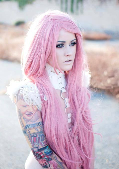 2-The-First-Girl-With-Longest-Pink-Hair Longest Hair Women-30 Girls with Longest Hair In the World
