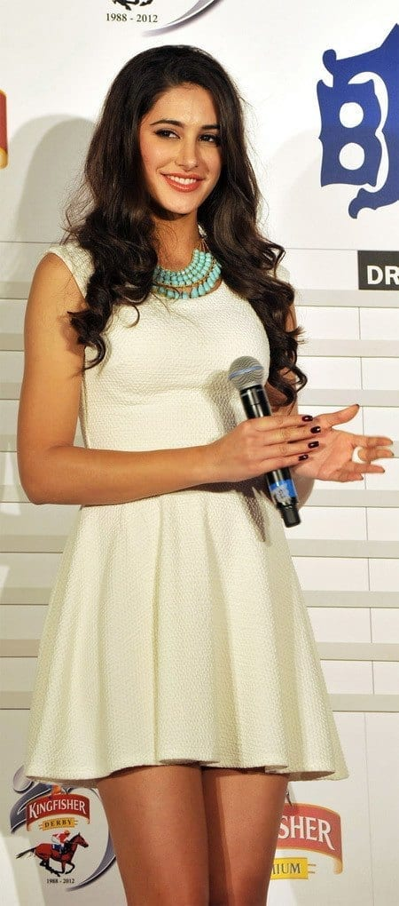 20-Nargis-in-a-Simply-and-Catchy-White-Dress Nargis Fakhri Outfits-32 Best Looks of Nargis Fakhri to Copy