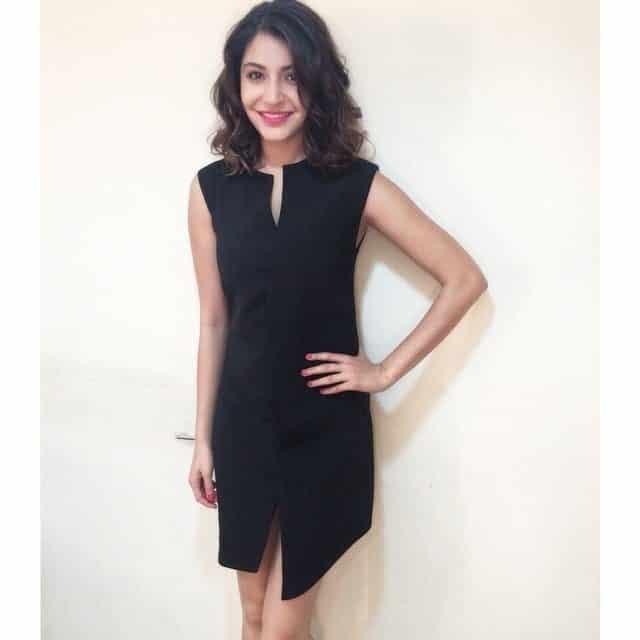 21-Anushka-Sharmas-Fiery-Selvage-Pankaj-Nidhi-Dress Anushka Sharma Outfits-32 Best Dressing Styles of Anushka Sharma