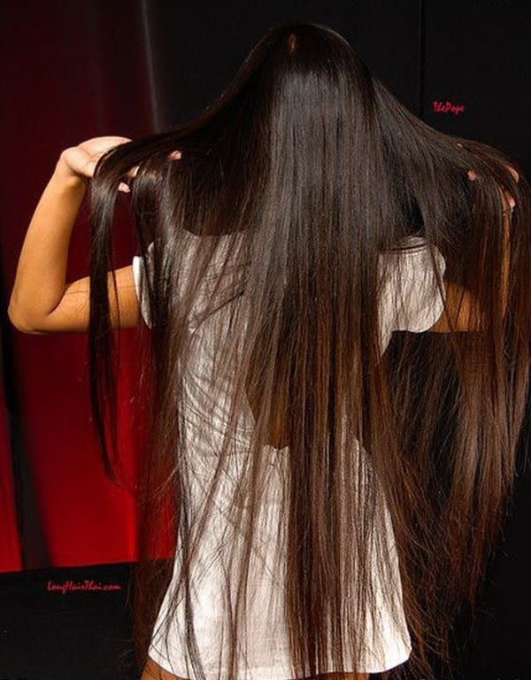 24-The-Sassy-Girl-With-Stunning-Long-Hair Longest Hair Women-30 Girls with Longest Hair In the World