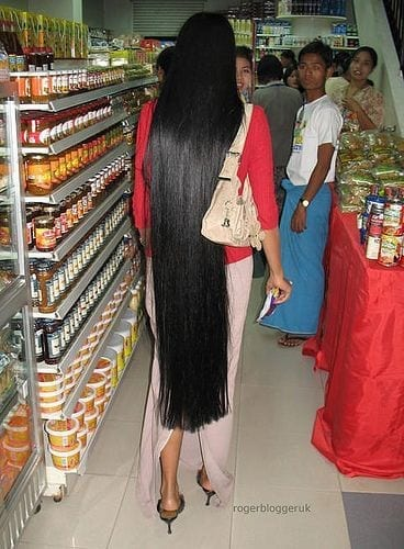 25-The-Most-Beautiful-of-Long-Black-Hair Longest Hair Women-30 Girls with Longest Hair In the World