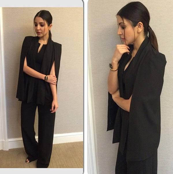 26-Anushka-Sharma-in-a-Formal-Sassy-Outfit Anushka Sharma Outfits-32 Best Dressing Styles of Anushka Sharma
