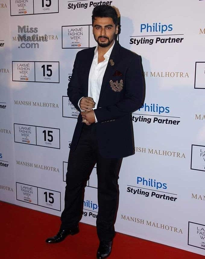 26-The-Sassiest-Designer-Outfit Arjun Kapoor Outfits-30 Best Dressing Styles of Arjun Kapoor to Copy