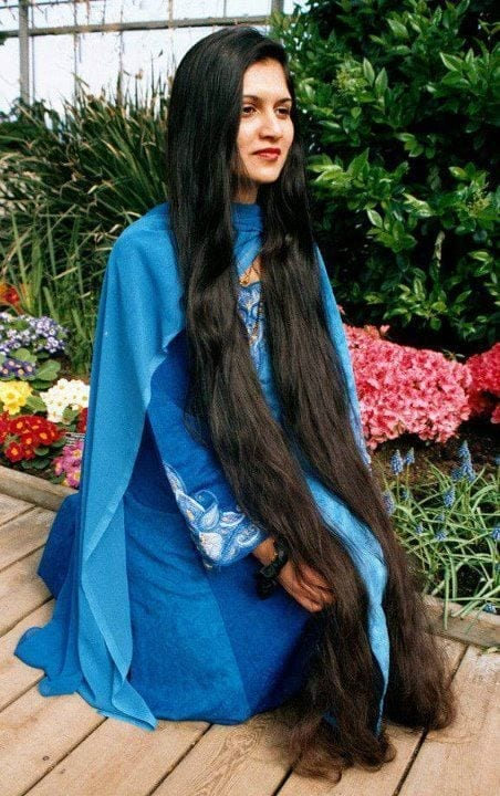 27-The-Pretty-Indian-Girl-With-Long-Wavy-Hair Longest Hair Women-30 Girls with Longest Hair In the World