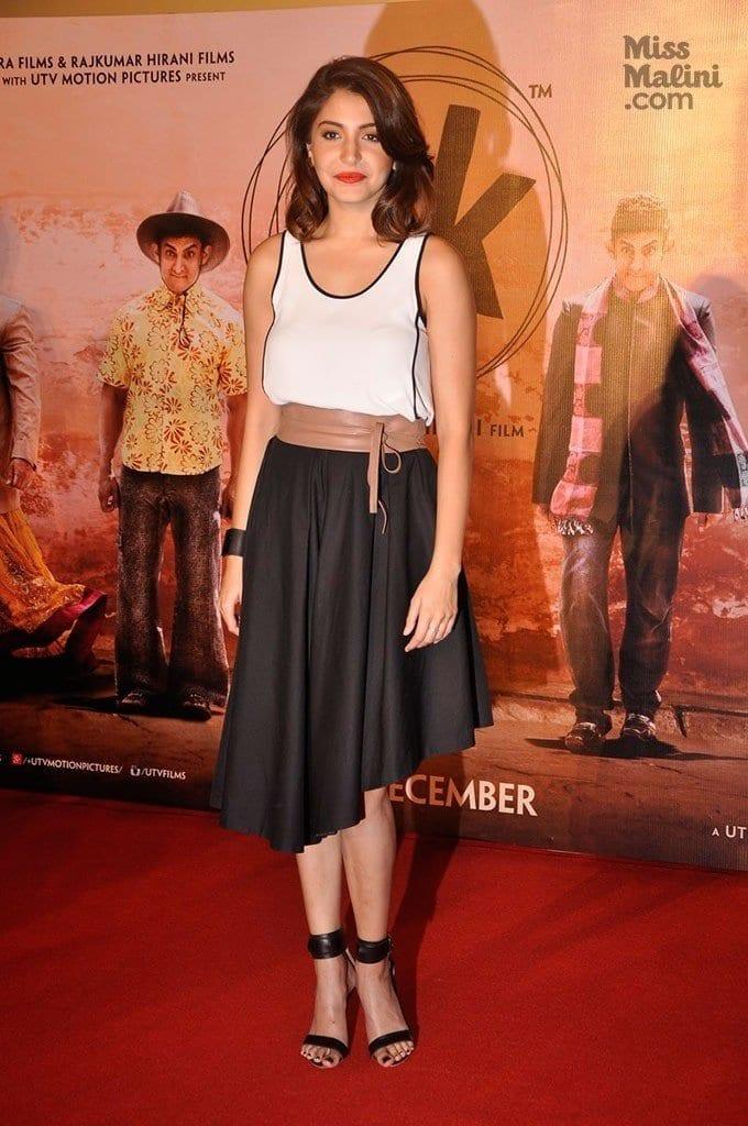 3-Anushka-Sharma-in-Cool-Skirt-Outfit-680x1024 Anushka Sharma Outfits-32 Best Dressing Styles of Anushka Sharma