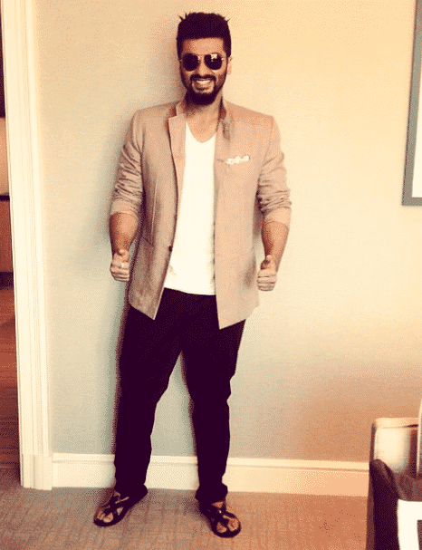 30-A-Classic-Bossy-Outfit Arjun Kapoor Outfits-30 Best Dressing Styles of Arjun Kapoor to Copy