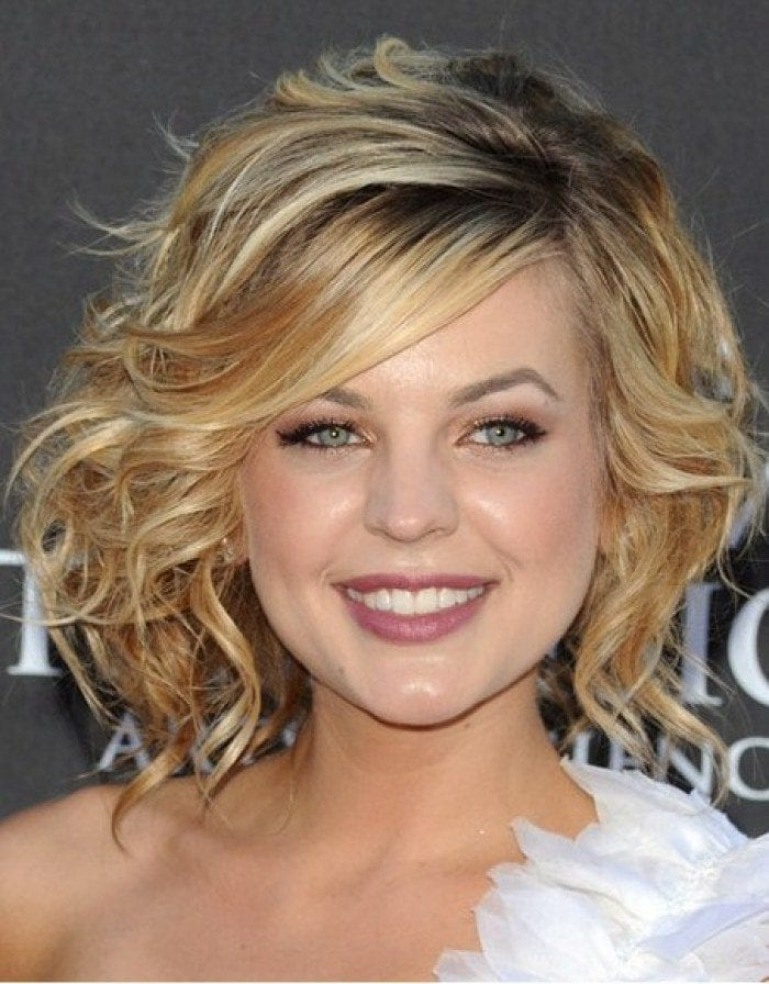 36-Short-Curly-Hairdo Hairstyles For Round Face-36 Cute Hairstyles for This Year