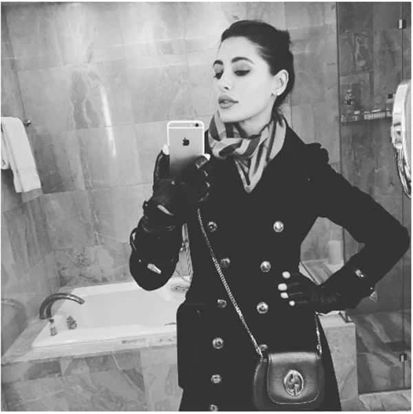 4-Nargis-in-a-Cool-Native-Parisian-Outfit Nargis Fakhri Outfits-32 Best Looks of Nargis Fakhri to Copy