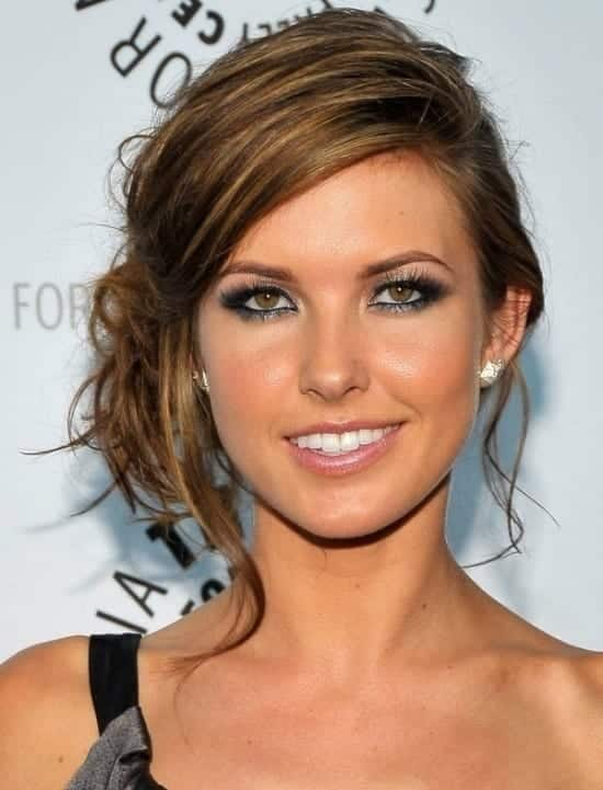 5-Side-Updo-for-Medium-Hair Hairstyles For Round Face-36 Cute Hairstyles for This Year