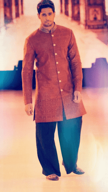 6-In-an-Artistic-Cultural-traditional-Outfit Sidharth Malhotra Outfits-30 Best Dressing styles of Sidharth Malhotra to Copy