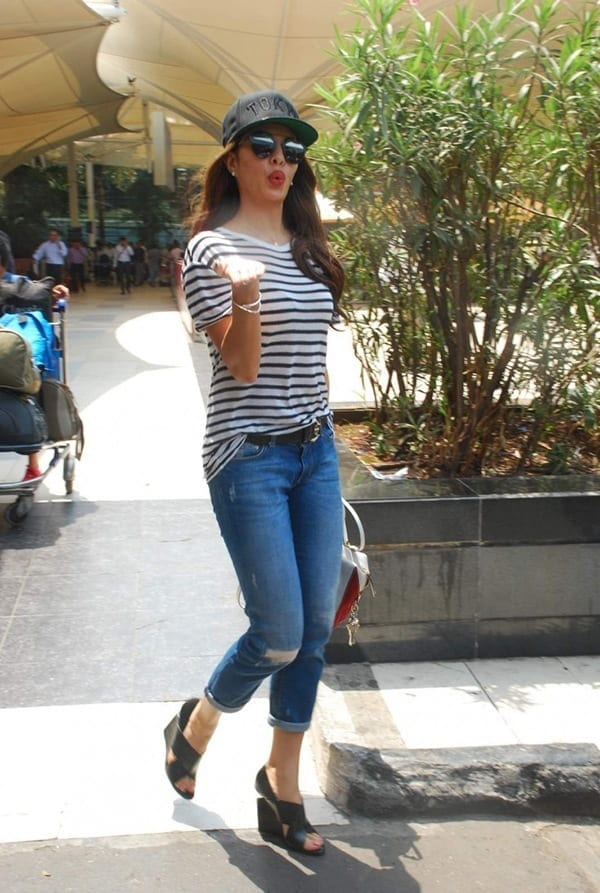 6 20 Indian Celebrities Ripped Jeans Styles to Copy This Year