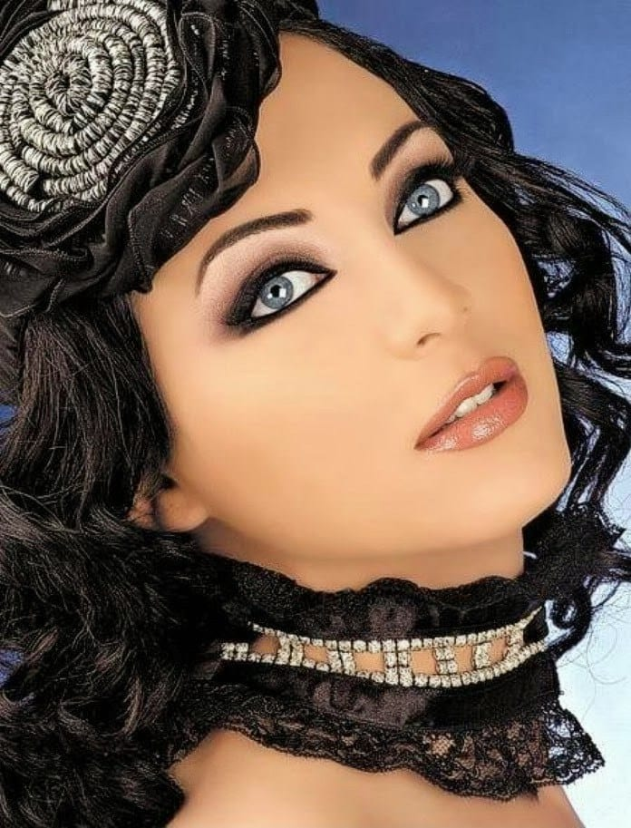 7-Solaf-Foakrje Top Muslim Models-15 Prettiest Muslim Female Models in World