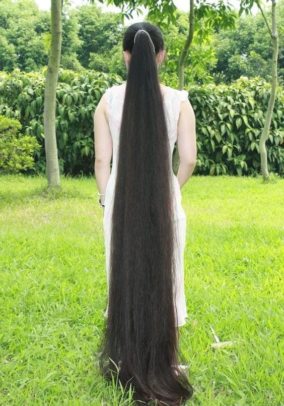 Longest Hair Women- 30 Girls with Longest Hairs In the World