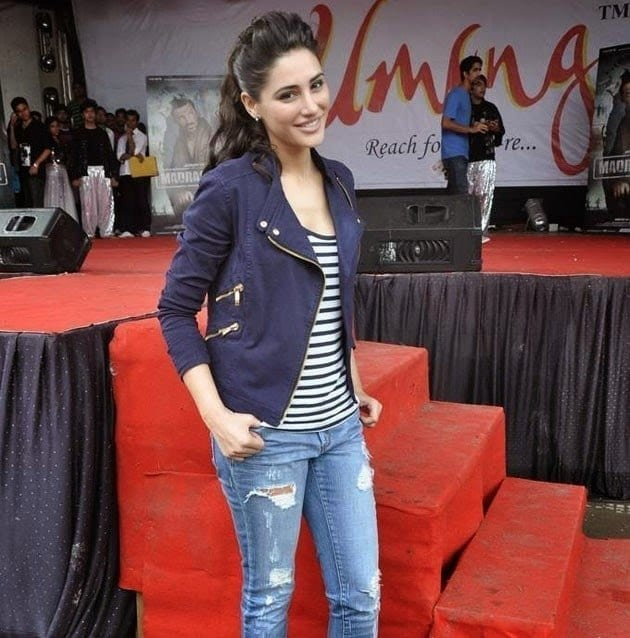 Nargis-Fakhri-at-NM-Colleges-Umang-Fest 20 Indian Celebrities Ripped Jeans Styles to Copy This Year