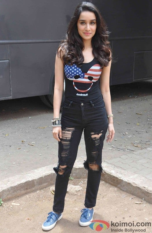 promotion-of-film-abcd-2-at-mehboob-studio-1 20 Indian Celebrities Ripped Jeans Styles to Copy This Year