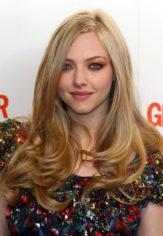 10-Amanda-Seyfrieds-Massive-Curls How to do Blowout-20 Ideas for Messy and Blowout Hairstyles