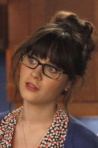 10-Jesss-Phenomenal-Messiest-Bun 37 Cute Hairstyles for Women with Glasses this Year