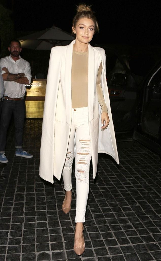 10-The-Unusually-Sophisticated-Ripped-Jeans-Style-634x1024 Gigi Hadid Outfits-28 Best Looks of Gigi Hadid This Year