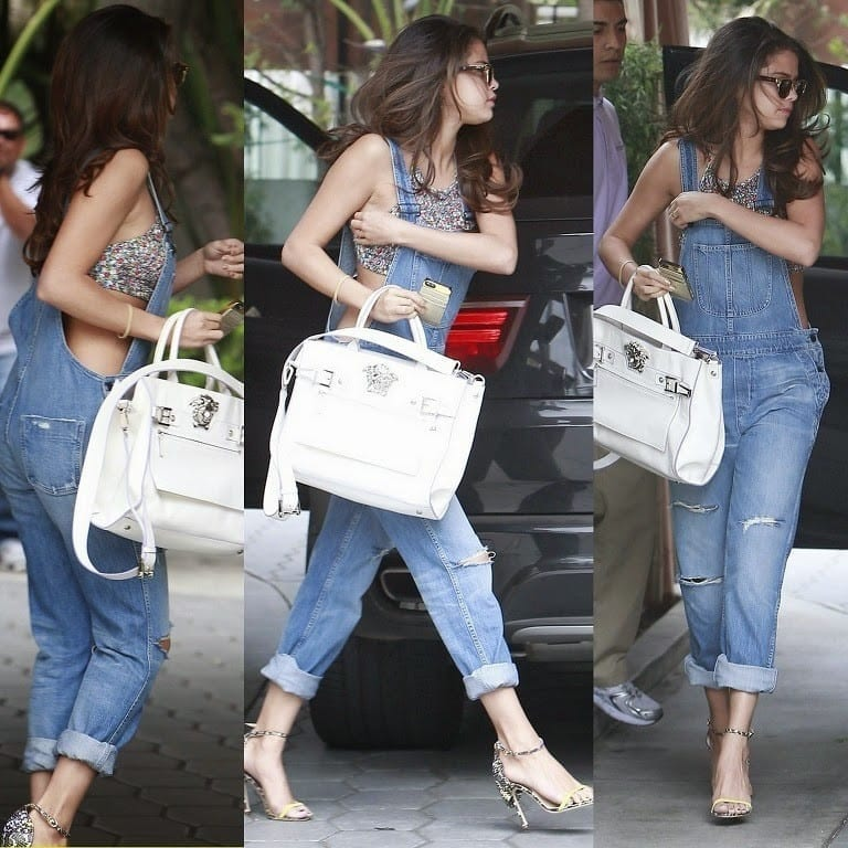 11-The-Cutest-Jumper-Outfit-Style Selena Gomez Outfits-25 Best Dressing Styles of Selena to Copy