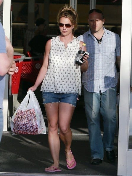 14-A-Cutely-Printed-Outfit Britney Spears Outfits-25 Best Dressing Styles of Britney to Copy