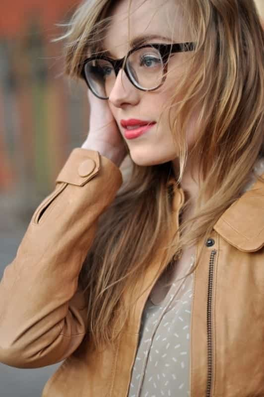 15-Straight-Pale-Blond-Hairdo 37 Cute Hairstyles for Women with Glasses this Year