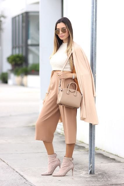 2-A-Dreamily-Creamy-Nude-Pro-Style Latest Nude Outfit ideas-18 Ways to Wear Nude this Year
