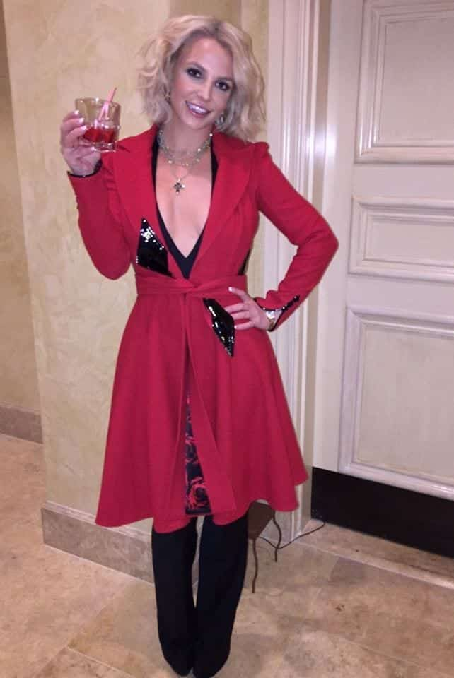 22-A-Gorgeous-Red-Wrapped-Coat Britney Spears Outfits-25 Best Dressing Styles of Britney to Copy
