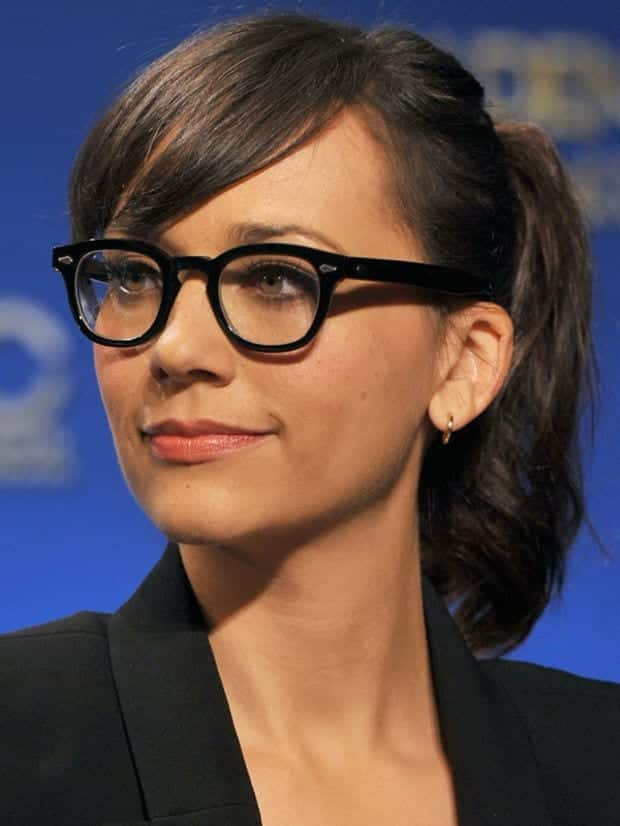 37 Cute Hairstyles For Women With Glasses This Year