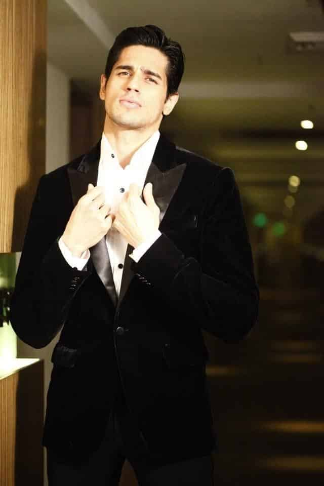 22-In-a-Fantastic-Branded-Suit Sidharth Malhotra Outfits-30 Best Dressing styles of Sidharth Malhotra to Copy