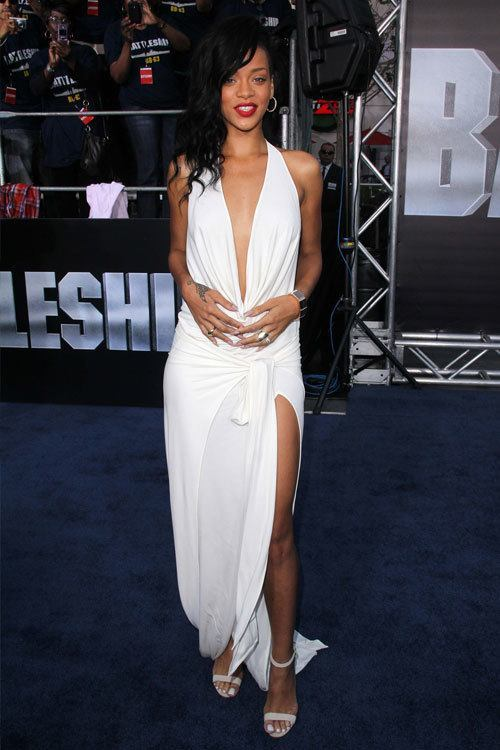 24-A-Stylish-Simplistic-Gown Rihanna Outfits-25 Best Dressing Styles of Rihanna to Copy