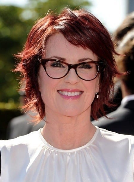 30-A-Sassy-Red-Dyed-Bob-Cut 37 Cute Hairstyles for Women with Glasses this Year