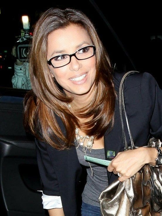 35-Inward-Layers-For-Women-With-Glasses 37 Cute Hairstyles for Women with Glasses this Year