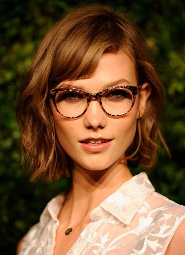 36-Simple-and-Short-Curly-Haircut 37 Cute Hairstyles for Women with Glasses this Year
