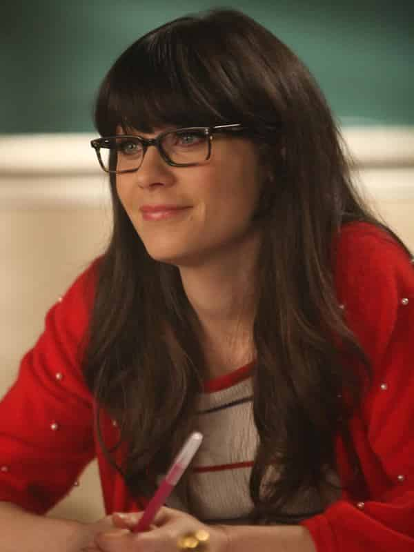 7-Jesss-Good-Girl-Hairdo 37 Cute Hairstyles for Women with Glasses this Year