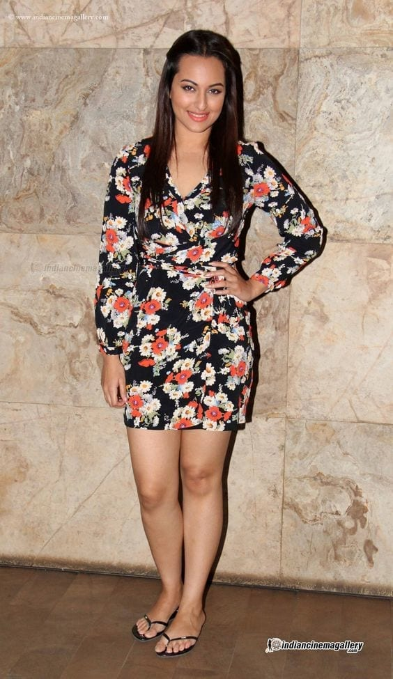 7a4d419e637b0ee8c6d8dfe93c2b1f2d Sonakshi Sinha Outfits-25 Dressing Styles of Sonakshi to Copy