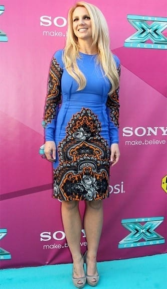 8-A-Stella-McCartney-Ornate-Floral-Dress Britney Spears Outfits-25 Best Dressing Styles of Britney to Copy