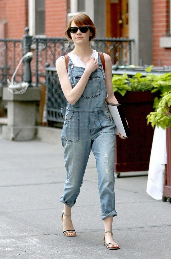 8-A-Trendy-Overall-676x1024 Emma Stone Outfits-25 Best Dressing Styles of Emma Stone to Copy