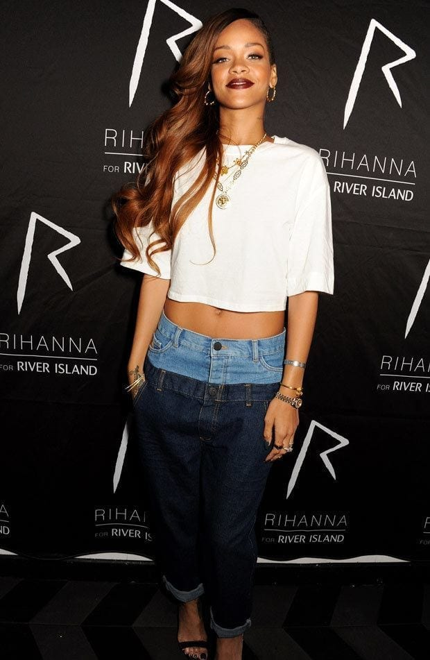 9-A-Double-Jeans-Classy-Outfit Rihanna Outfits-25 Best Dressing Styles of Rihanna to Copy