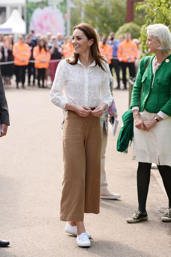 Duchess-of-Cambridge-comfy-casual-style Kate Middleton's Outfits-25 Best Dressing Styles Of Kate To Copy