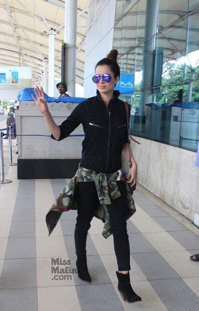 Kangana1-658x1024 Kangna Ranaut Outfits – 30 Best Dressing Styles of Kangna