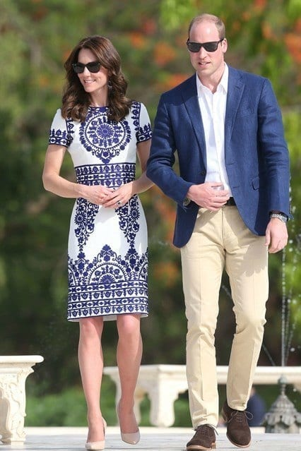 Kate-Middleton-Prince-William-India-Taj-Mahal-GettyImages Kate Middleton's Outfits-25 Best Dressing Styles Of Kate To Copy