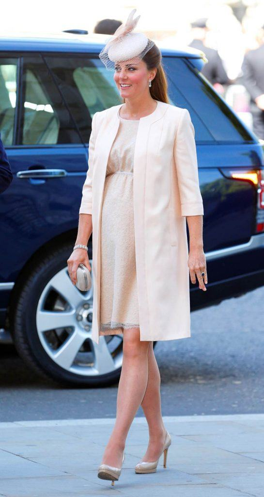 Kates-peachy-maternity-dress-545x1024 Kate Middleton's Outfits - 25 Best Dressing Styles Of Kate