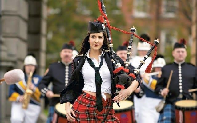 Katrina-Kaif-8 Katrina Kaif Outfits-25 Dressing Styles of Katrina Kaif to Copy