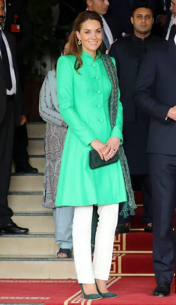 catherine-duchess-of-cambridge-coat-dress-592x1024 Kate Middleton's Outfits-25 Best Dressing Styles Of Kate To Copy