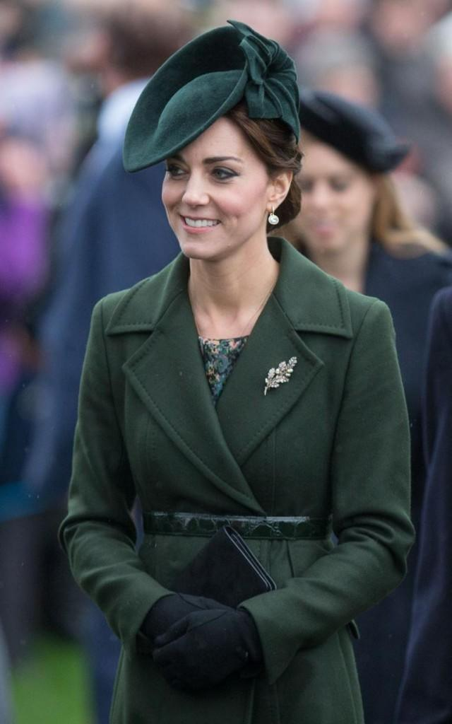 duchess-xmas-x-p-xlarge-640x1024 Kate Middleton's Outfits-25 Best Dressing Styles Of Kate To Copy