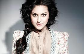 images-21 Sonakshi Sinha Outfits-25 Dressing Styles of Sonakshi to Copy