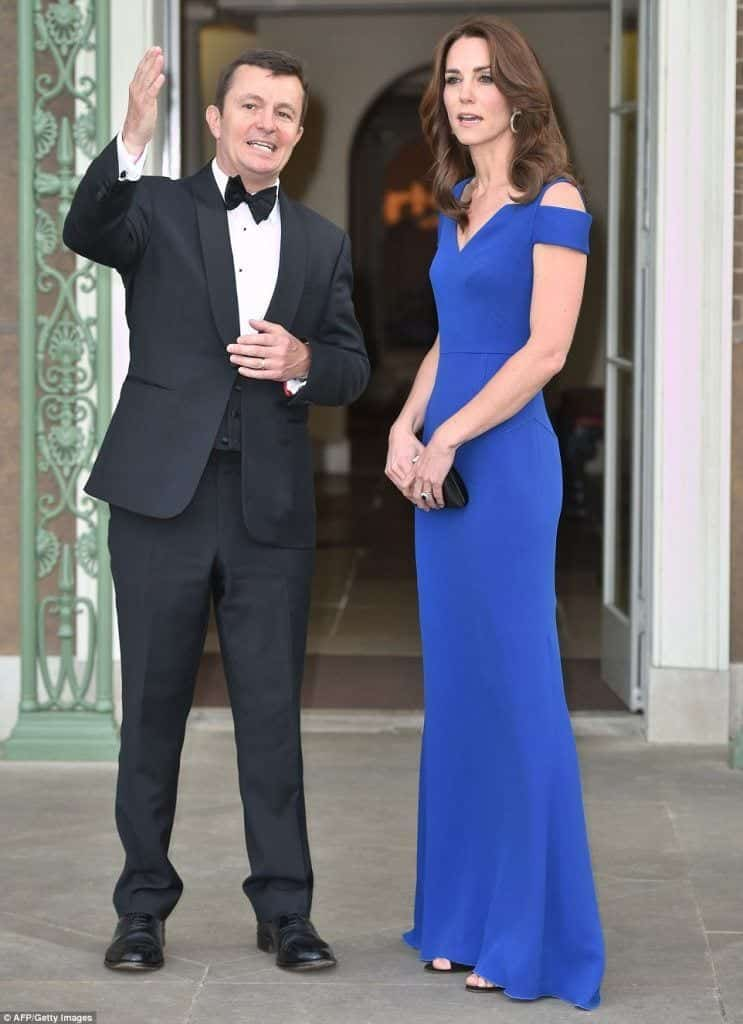 kate-Stunning-simple-blue-dress-743x1024 Kate Middleton's Outfits - 25 Best Dressing Styles Of Kate