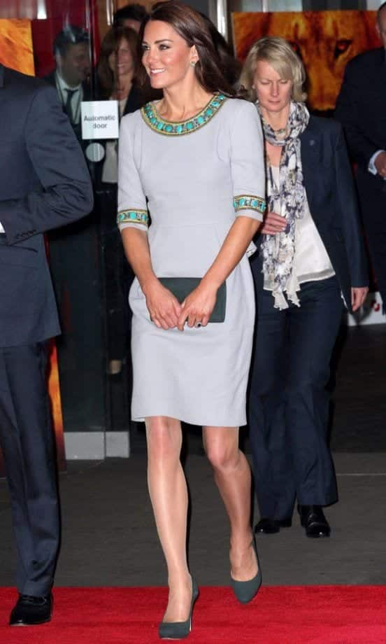 kate-middleton-grey-with-turquoise Kate Middleton's Outfits-25 Best Dressing Styles Of Kate To Copy