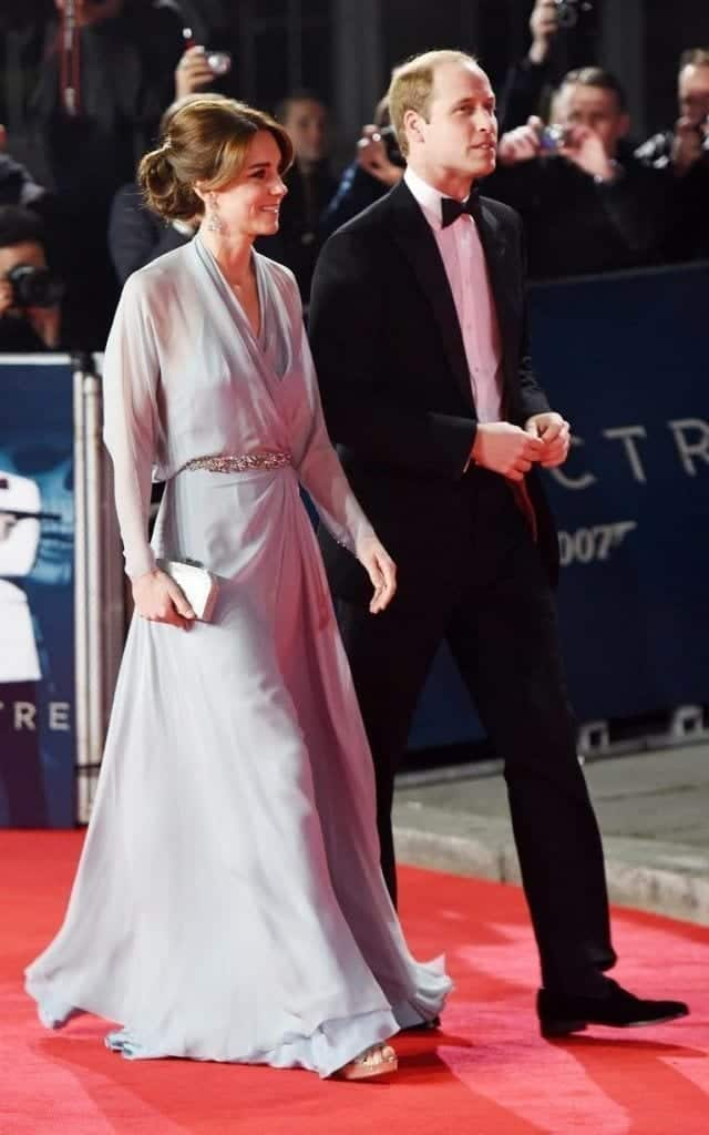 kate-x-xlarge-640x1024 Kate Middleton's Outfits-25 Best Dressing Styles Of Kate To Copy